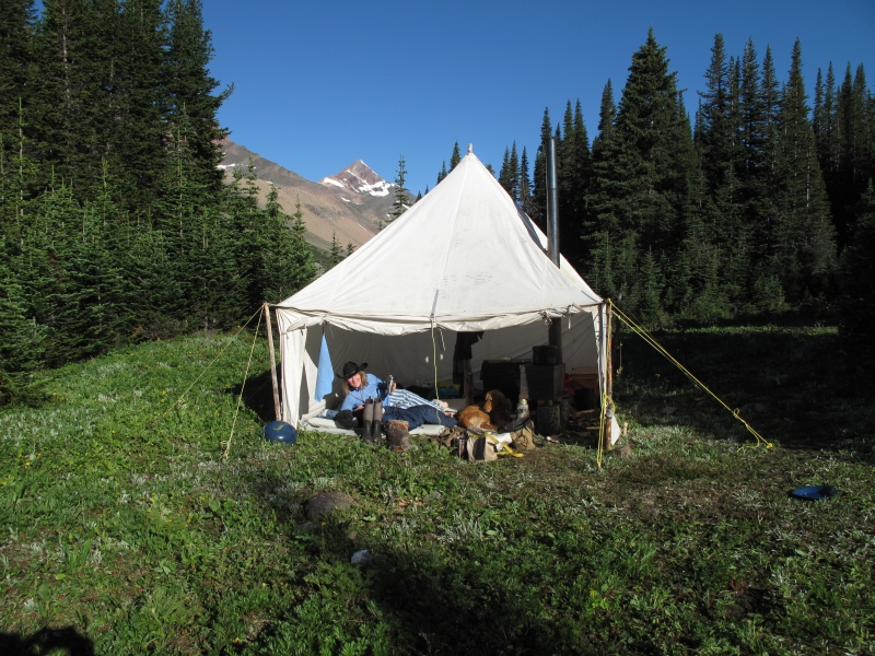 Wall tent living - Idalene Lakes JNP